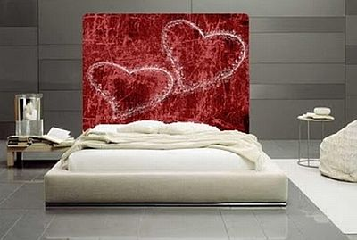 Vaastu tips for bedroom and improved sexual relations vaastu for Bedroom wall designs for couples