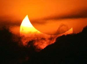 Solar Eclipse on 13-14 November 2012, Effects